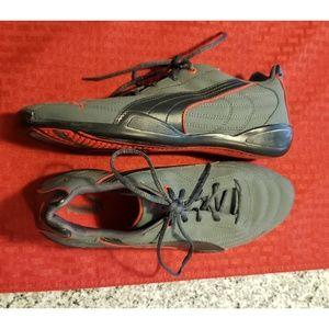 Puma mens racing shoes. Excellent condition!